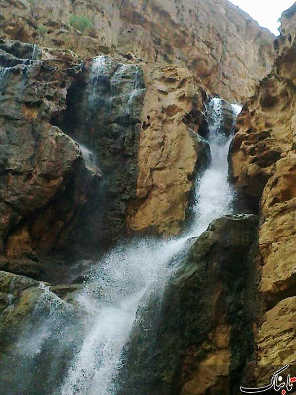 آبشار-دره-گاهان_8