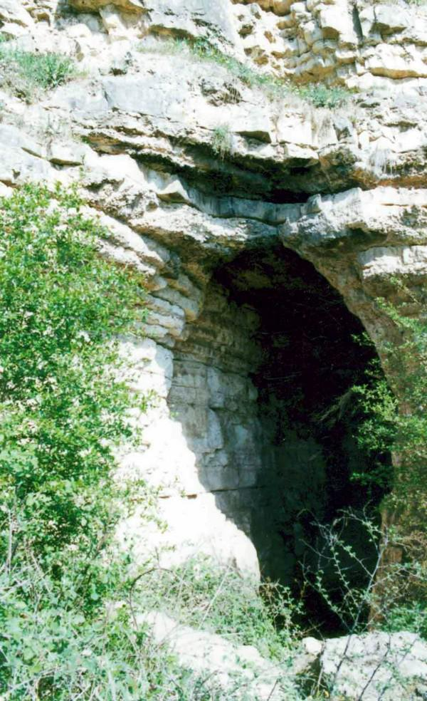 غار-هوتو-و-غار-کمربند_2