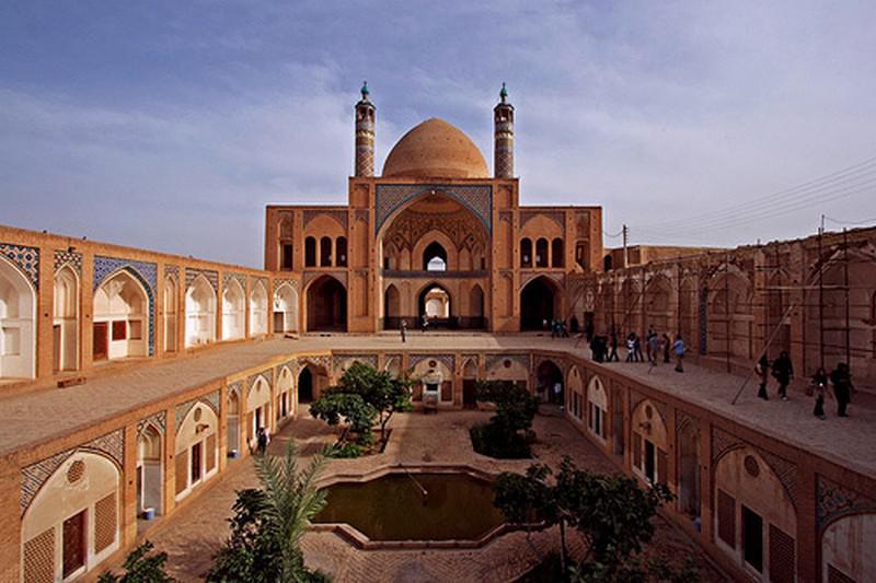 مسجد-و-مدرسه-آقا-بزرگ_12