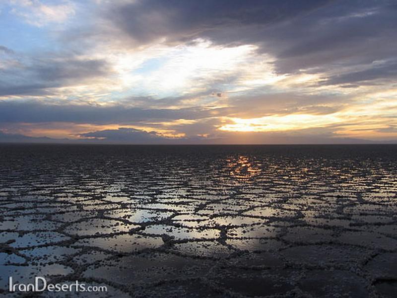 دریاچه-نمک-آران-و-بیدگل_16