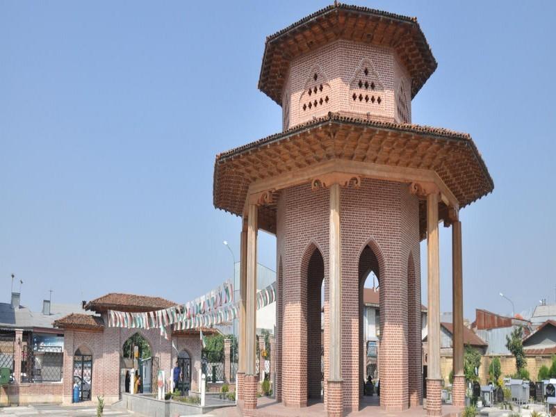 آرامگاه-میرزاکوچک-خان-تریپ-با-ما-(5)