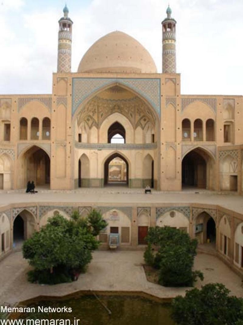 مسجد-و-مدرسه-آقا-بزرگ_1