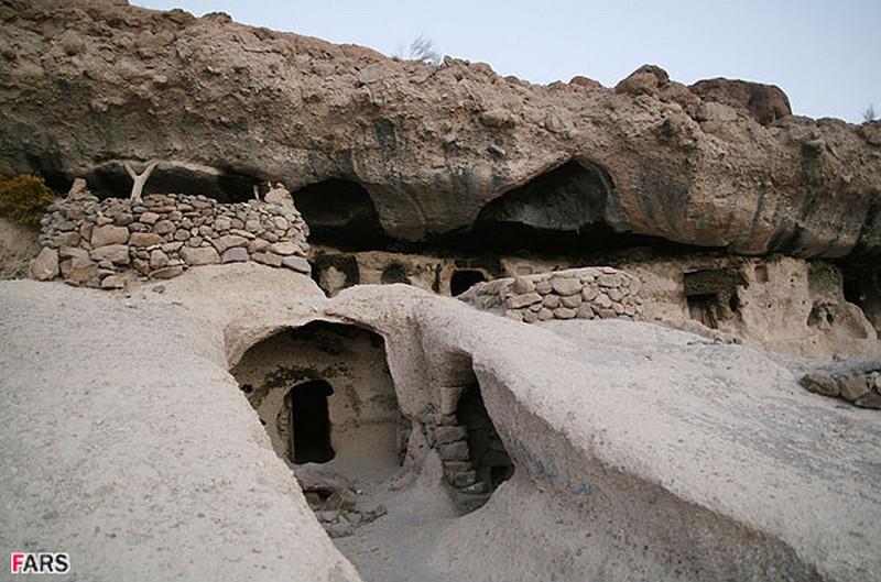 روستای-صخره-ای-میمند_3