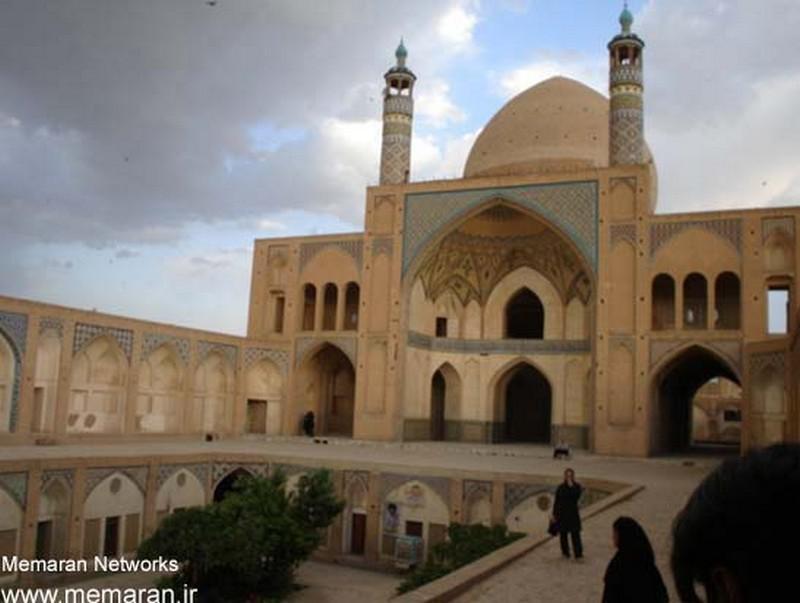 مسجد-و-مدرسه-آقا-بزرگ_3