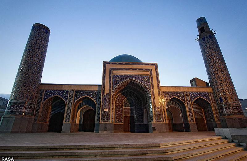 مسجد-هفتاد-و-دو-تن_5