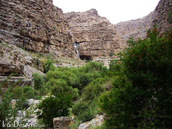 آبشار-دره-گاهان_12