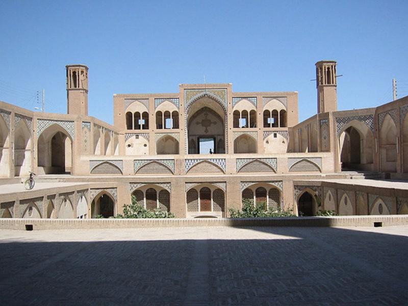 مسجد-و-مدرسه-آقا-بزرگ_31