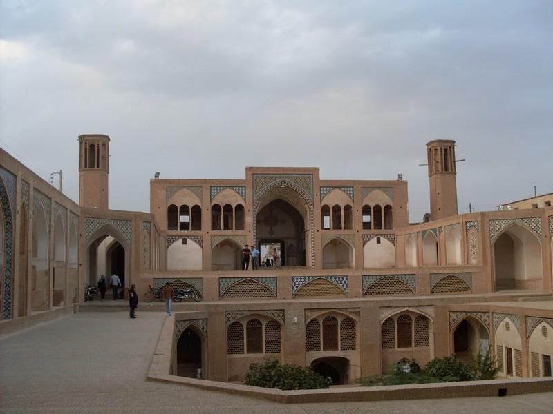 مسجد-و-مدرسه-آقا-بزرگ_24