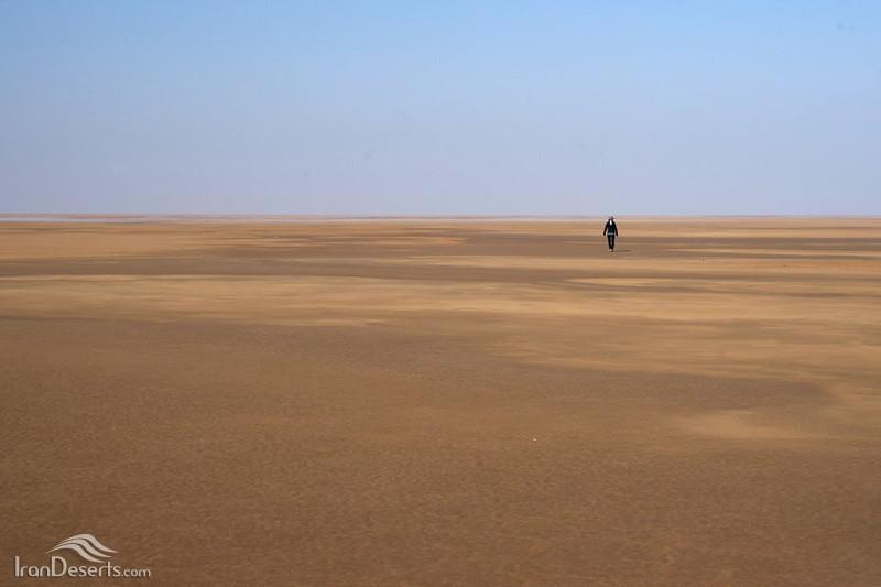 دریاچه-نمک-آران-و-بیدگل_11