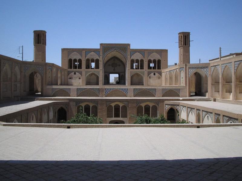 مسجد-و-مدرسه-آقا-بزرگ_7