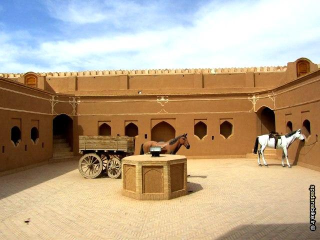 -گردشگری-میبد-یزد-1389555374