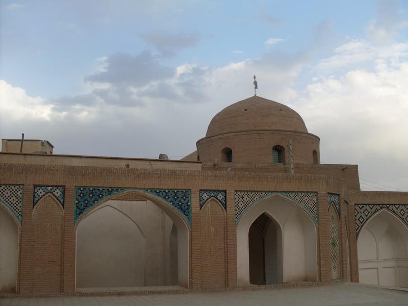 مسجد-و-مدرسه-آقا-بزرگ_47