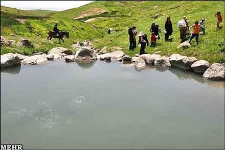 چشمه-آبگرم-ماستخور_1