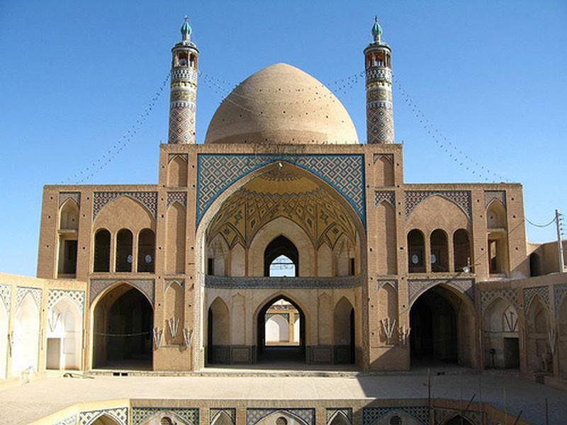 مسجد-و-مدرسه-آقا-بزرگ_23
